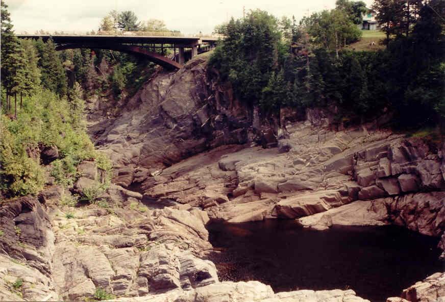 Grand Falls (NB) Canada  city photos : Een groot deel van New Brunswick bestaat uit bos en is daardoor weinig ...